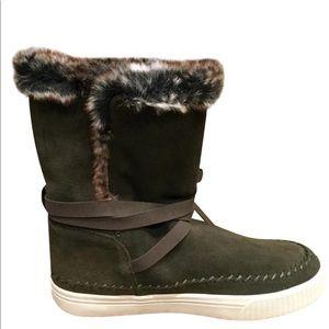 Toms Vista waterproof boots